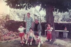 Pepe et mamie + cousins Rene Chaumeil.jpg